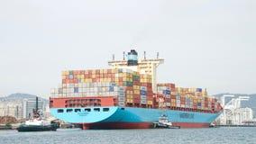 Maersk ładunku statek GRETE MAERSK wchodzić do port Oakland Zdjęcia Stock
