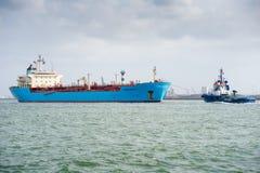 MAERSK-schip ROSYTH in de haven van Rotterdam Stock Afbeeldingen