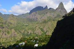 Mafate vulkanisk caldera i ön av Réunion royaltyfri fotografi