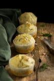 Maffins casalinghi del formaggio e dell'aneto Immagini Stock