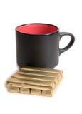 Mag und Schokolade auf Weiß Lizenzfreies Stockfoto