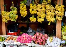 Magasin asiatique frais de fruit Photo stock