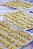 Magasin av den vegetariska italienska tortellien, lodlinje Arkivfoto