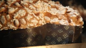 Magasin av påskkakaduvor bakar i ugnen