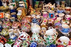 Magasin d'antiquités à la route de Portobello à Londres, R-U photos stock