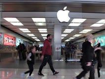 Magasin d'Apple à Rome photo libre de droits