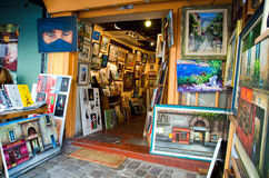 Magasin d'art dans Montmartre, Paris Photographie stock libre de droits