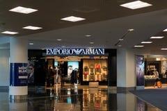 Magasin d'Emporio Armani à l'aéroport international de Miami Photo stock