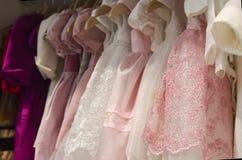 Magasin d'habillement d'enfants Photos stock