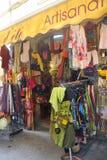 Magasin d'habillement dans Anduze Image libre de droits