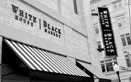 Magasin d'habillement de marché noir de la Maison Blanche Photographie stock