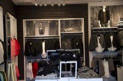 Magasin d'habillement exprès photos stock