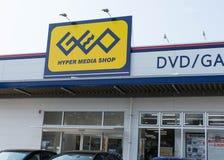Magasin d'hypermédia de GEO qui vend des DVD, des jeux et Manga comique au Japon image stock