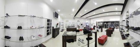 Magasin de chaussures européen de luxe Images stock