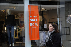 Magasin de détail de MI VENTE de SAISON de 50% Images stock