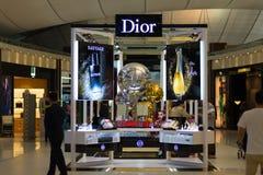 Magasin de Dior à l'aéroport international de Suvarnabhumi, Bangkok, Thaïlande Fin vers le haut Image libre de droits