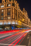 Magasin de Harrods à Londres, R-U avec des décorations de Noël Image stock