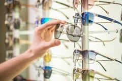 Magasin de lunettes de soleil Images libres de droits