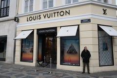 Magasin de luxe français de Vuitton de lois à Copenhague Danemark image stock