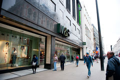 Magasin de M&S à Londres, R-U Image stock