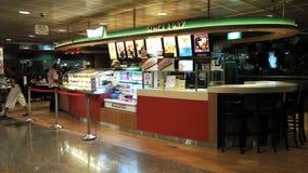 Magasin de nourriture dans l'aéroport Singapour de Changi Photo stock