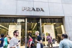 Magasin de Prada à New York City, Etats-Unis image stock