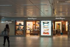 Magasin de Salvatore Ferragamo à l'aéroport de Fiumicino à Rome Photo libre de droits