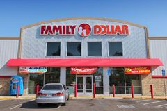 Magasin discount du dollar de famille Photo libre de droits