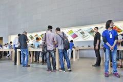 Magasin emblématique Changhaï, Chine d'Apple Photographie stock libre de droits