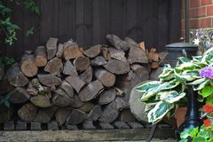 Magasin en bois fait par maison image stock