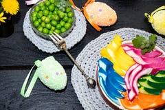 Magasin en plastique, coloré, oeufs de pâques image libre de droits