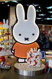 Magasin Miffy officiel dans l'aéroport d'Amsterdam Schiphol Photographie stock libre de droits