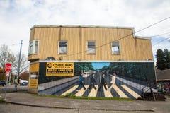 Magasin record, peinture murale de Beattles, anciens d'or Photographie stock libre de droits