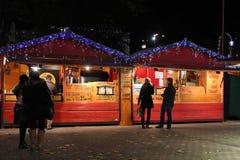 Magasins du marché de Noël photos libres de droits