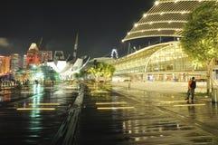 Magasins ? la baie de marina Photographie stock libre de droits