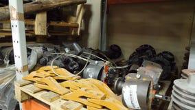 Magazyn dodatkowe części w opieki centrum Magazyn z częściami dla samochodów Auto części depozytowy magazyn Rozebranie jarda Obraz Royalty Free