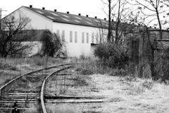 Magazzino dai binari ferroviari Fotografia Stock Libera da Diritti