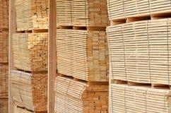 Magazzino di legno del legname Fotografie Stock Libere da Diritti