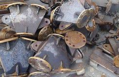 Magazzino industriale dei tubi d'acciaio e dei prodotti metallici finiti fotografia stock