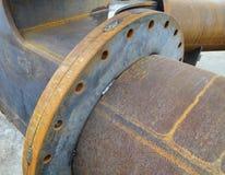 Magazzino industriale dei tubi d'acciaio e dei prodotti metallici finiti fotografia stock libera da diritti