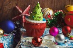 Magdalena de la Navidad con las decoraciones coloridas Fotos de archivo libres de regalías