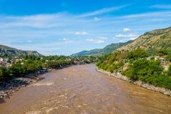Magdalena flod nära staden av Honda, Colombia Arkivbilder