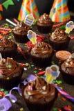 Magdalenas del chocolate para el cumpleaños Foto de archivo