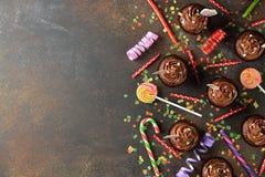Magdalenas del chocolate para el cumpleaños Fotografía de archivo