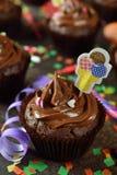 Magdalenas del chocolate para el cumpleaños Fotografía de archivo libre de regalías