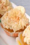 Magdalenas deliciosas de la torta de zanahoria Foto de archivo