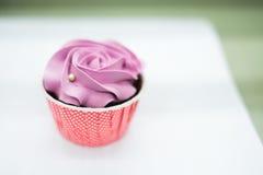 Magdalenas en colores pastel dulces Foto de archivo libre de regalías