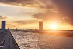 Magdeburg-Wasser-Brücke, über Fluss Elbe--Havelkanal im Sonnenunterganglicht, Sachsen, Deutschland Stockbild