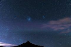 Magellanic chmury i chwytaliśmy Karoo parka narodowego, Południowa Afryka, w zimie Zdjęcia Royalty Free
