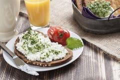 Mager frukost för sund vårsommar Arkivfoton